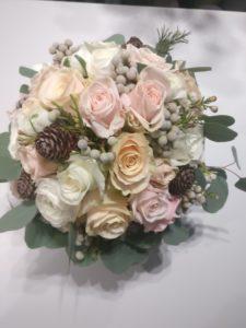 Cvetličarna Omers - šopek vrtnic belih