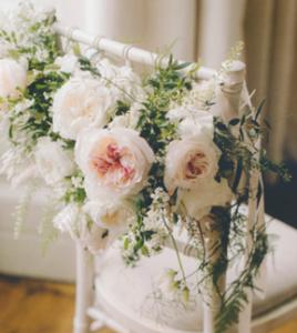 Cvetličarna Omers - šopek vrtnic belih1