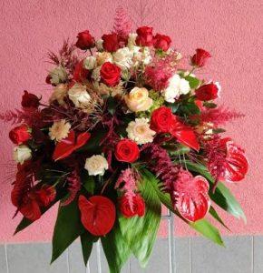 Cvetličarna Omers - venec rdeči roza